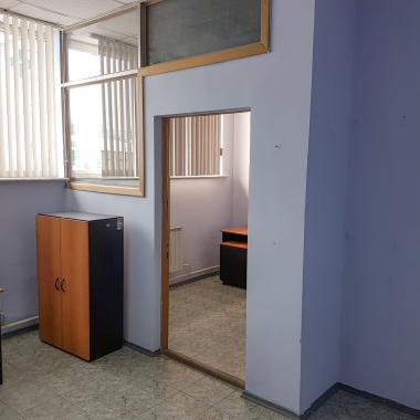 Сдается в аренду помещение (19,1 кв.м) на первом этаже здания, расположенного по адресу ул. Юбилейная, 25.